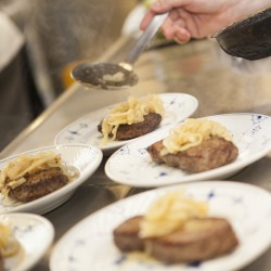 Restaurant Teater Bodega mad anrettes - Foto: Detaljerytterne